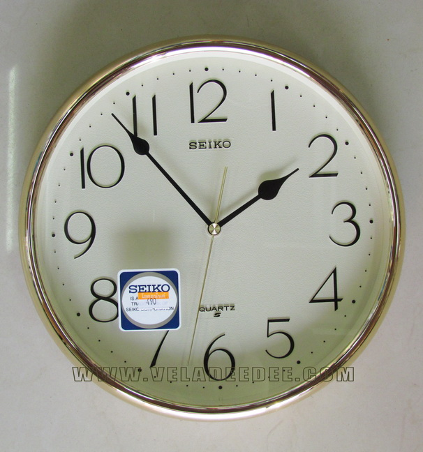 SEIKO Japan นาฬิกาแขวนพลาสติก ขนาด 11 นิ้ว รุ่น QXA001G